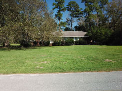 204 W MURRAY AVE St George, SC 29477