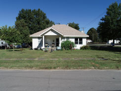 113 E MAPLE ST Paris, AR 72855