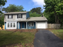 182 Wading River Hollow Rd Middle Island, NY 11953