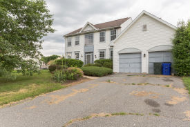 72 Emerald Ridge Dr Bear, DE 19701
