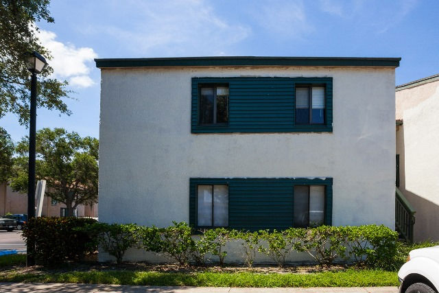 876 116th Ave N, Unit 108, Saint Petersburg, FL 33716