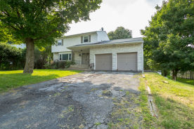 33 KEATS DR New Windsor, NY 12553
