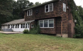 6 Crown Hill Dr Sandy Hook, CT 06482