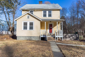 107 Park St North Reading, MA 01864