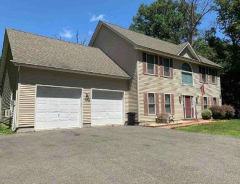 61 E Shore Lake Owassa Rd Newton, NJ 07860