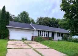 2509 CREST LINE DR Madison, WI 53704