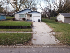 403 2ND AVE SE Sioux Center, IA 51250