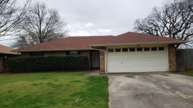 102 Almond Ln Euless, TX 76039