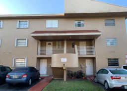 2790 W 60th St Unit 30 Hialeah, FL 33016