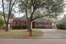 4227 Meadowchase Ln Houston, TX 77014
