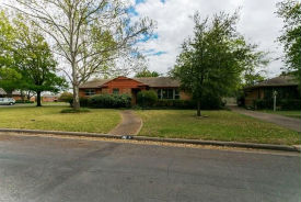 606 Bizerte Ave Dallas, TX 75224