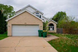801 Tide Ct Wheeling, IL 60090