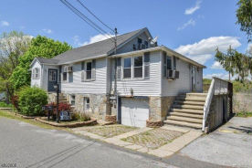 7 BERRY RD Sussex, NJ 07461