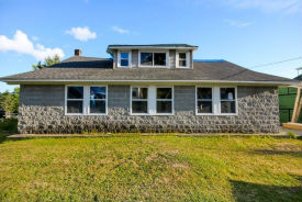 23 DUMBLETON RD Cropseyville, NY 12052