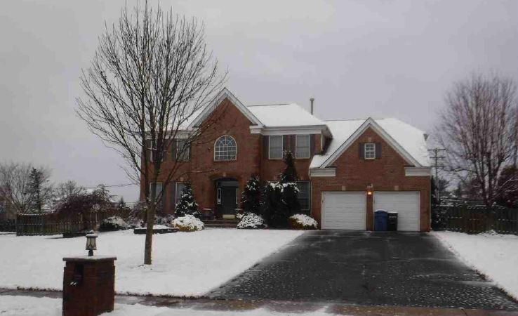 Single Family auction Freehold, NJ - 64-Rutgers-Way-Freehold