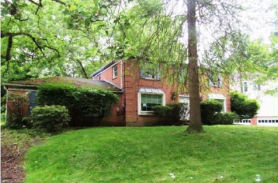757 13th St Oakmont, PA 15139