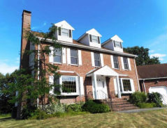 12 Icehouse Ln Rockland, MA 02370