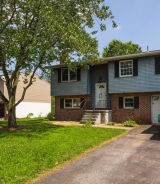 1328 Woodcrest Dr Reading, PA 19607