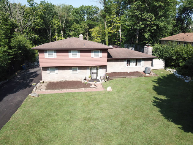 Single Family Auction Indianapolis In 4540 Eastbourne