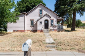 704 W 2nd St Waitsburg, WA 99361
