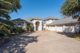 2223 Post Oak Dr Portland, TX 78374