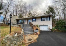 19 EASTBROOK LN Newton, NJ 07860